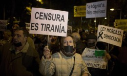 Arga demonstranter i Spanien